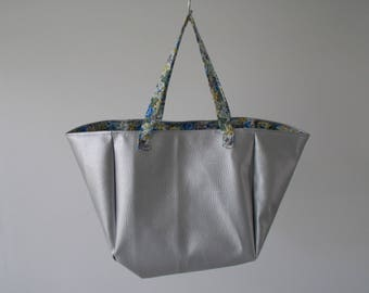 Handbag Tote shape faux silver