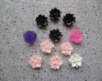 Lot de 11  Fleurs en résine de couleur 1 cm à coller, cabochon fleur, embellissement, scrapbooking, carterie