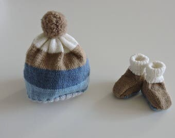 Newborn set hat and booties
