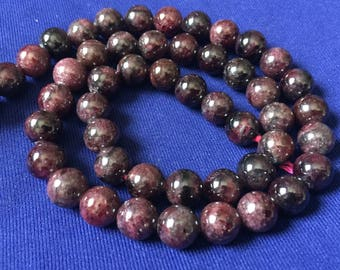 2 round beads 8mm natural dark red, Garnet beads 8mm Garnet beads