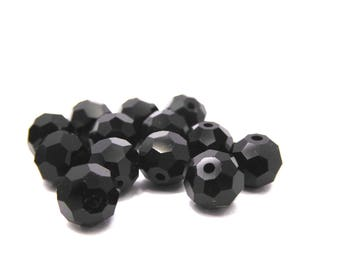 43 Crystal beads with facets color black 0.5 cm in diameter