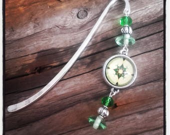 Silver charm bookmark green beads and cabochon