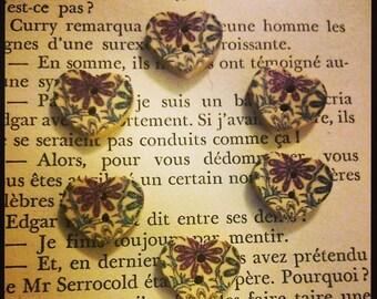 set of 6 buttons wood: purple flowers and bleu17mm heart shape