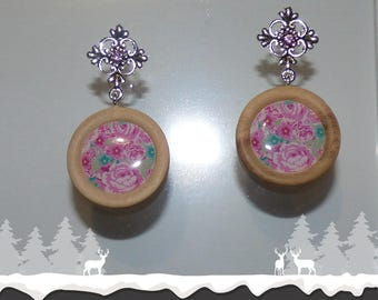"Wood ""bouquet of roses"" earrings"
