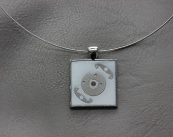Round neck + square pendant in resin and watch parts (Steampunk)