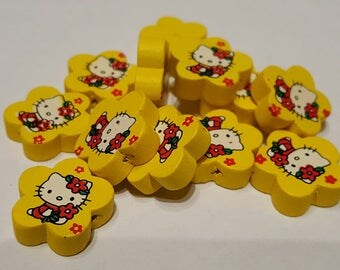 Wood flower Hello Kitty (yellow) beads