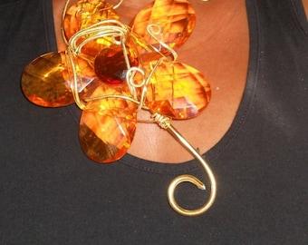 "Necklace ""Emilienne"" with a big flower color orange."