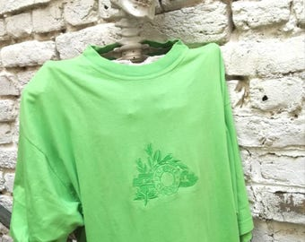 Vintage 80's classic green embroidered T-shirt