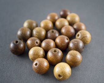 2 pcs - round wooden beads, ethnic, natural 12mm light brown •