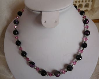 BLACK AGATE NECKLACE AND ROSE AND SWAROVSKI CRYSTAL