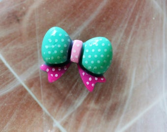 bow tie green and pink cabochon scrapbooking