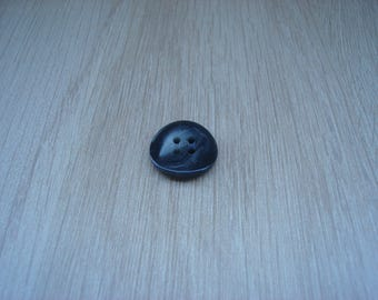 Gray marbled black round button