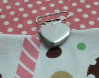 heart metal pacifier clip