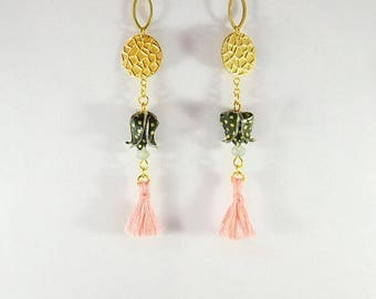Gold plated. Earrings in Origami lotus in the spring hasunohana 蓮の花