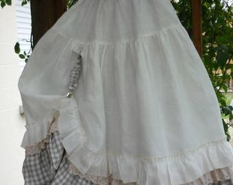 petticoat in white linen and plaid pattern Caro