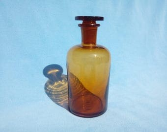 Vintage Medicine Bottle With Glass Stopper / Antique Apothecary Amber Glass Bottle / Retro Medical Jar With Lid / Old Pharmacy Brown Bottle