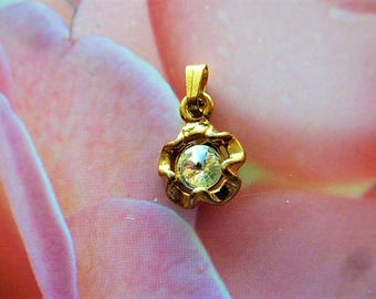 vintage flower pendant charm antique gold and rhinestones for creation
