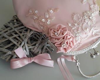 Pochette sac mariage guipure brodée rose poudré