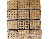 Gros lot de 360 mini tampons alphabets bois (12 modèles) Dovecraft scrapbooking carterie.*