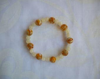 White and grey flowers and stones goldswann yellow millefiori glass beaded bracelet