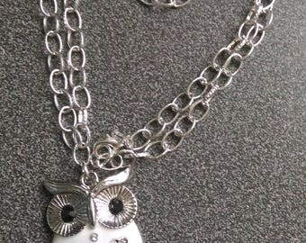 OWL NECKLACE WHITE