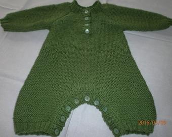 Green mix in garter stitch newborn