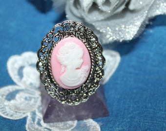 RESIN CAMEO RING