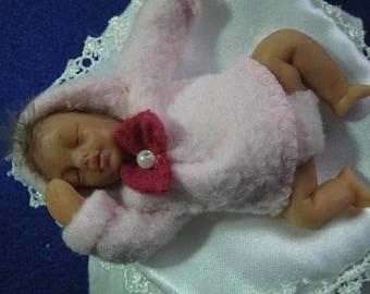 Leonie, baby love, 9 cm, cernit to adopt