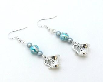 Earrings, coffee cup, magic beads, white, blue, alice