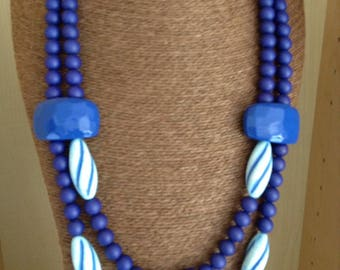 Necklace double strands in shades of blue with twisted shuttles