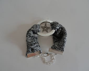 simple Ribbon Heather grey jersey, connector ring and charm star bracelet
