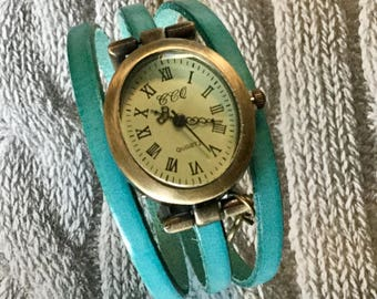SIZE S turquoise oval magnetic jewel ladies watch