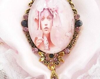 "Beautiful Retro brooch ""Life in pink"""