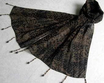 Scarf & pearls REF. 005 - black and Brown