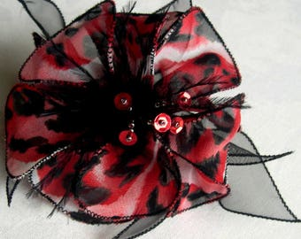 Large barrette flower fabric & feathers and pearls 015