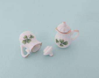 Set of 2 miniature porcelain teapots with green clover pattern - Miniature crockery for dollhouse