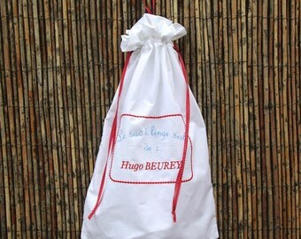 Dirty laundry bag with embroidery text + name + the child's name for the colony
