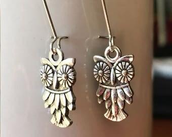 Owl earrings,Owl charm earrings,Antiqued silver owl earrings,Owl jewelry,Silver earrings,Dangle earrings,Silver owl earrings,Cute owl charm