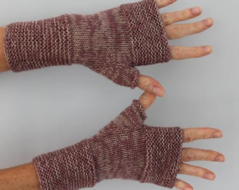 mitts knitted handmade lilac medium and beige mottled