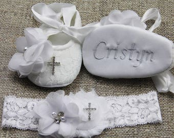 Christening shoes Baptism shoes Personalized shoes Baby girl shoes White baby shoes white shoes  Newborn baby shoes Cute shoes