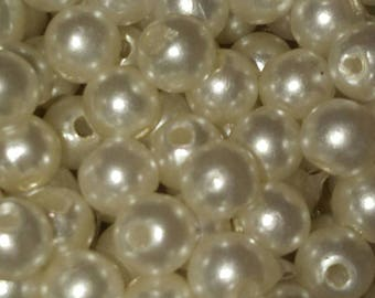 50 white Pearly off 5 mm hole 1 mm beads