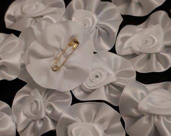 Set of 5 rosettes - 40 mm - white satin tie flower lapel pin