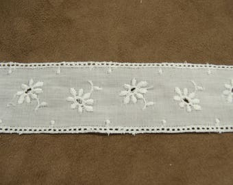 """broderie anglaise"" between two - 3.8 cm - white"