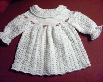 dress 9 months to crochet, white, co claudinel, romantic flowers appliques