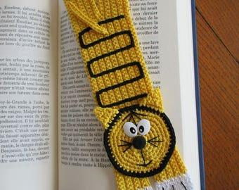 Yellow cat bookmark crochet