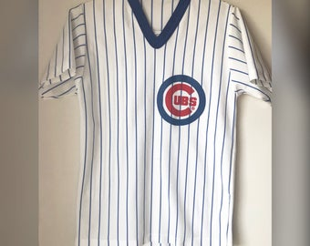 Vintage MLB Chicago CUBS Baseball V Neck