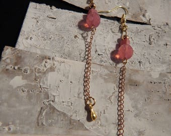 Earrings dangle gold tone and pink beads