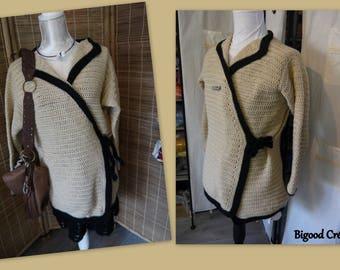 Beige outline woolen jacket black
