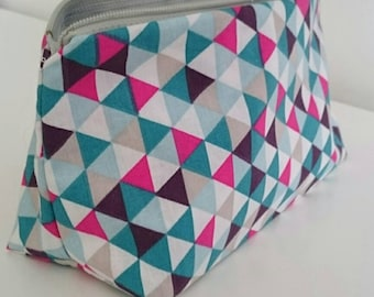 Kit Emilie pink and blue triangular pattern