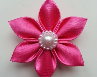 5 cm fleur de satin rose    petales pointus